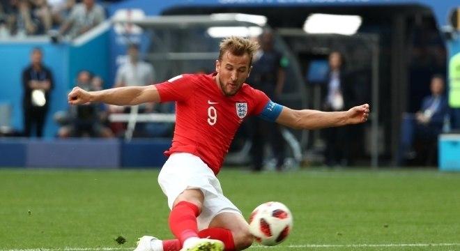 Kane, artilheiro da Copa, foi figura decorativa na apática Inglaterra
