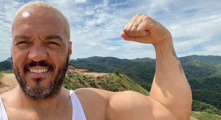 Cantor foi prese após realizar show com aglomeração no complexo da Maré, zona norte do Rio