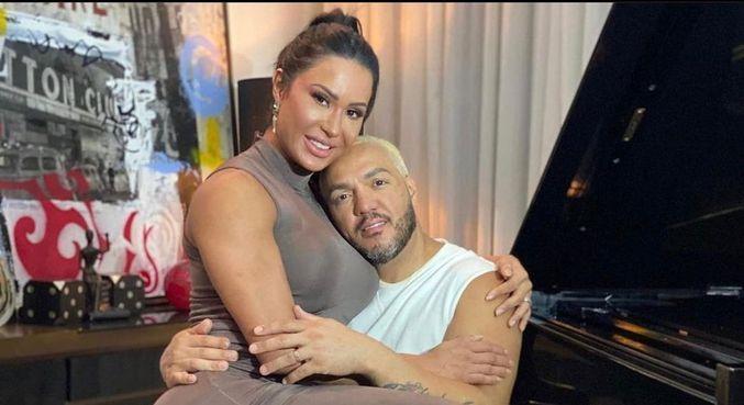 Belo publicou imagem com a mulher e fez reflexão para os seguidores