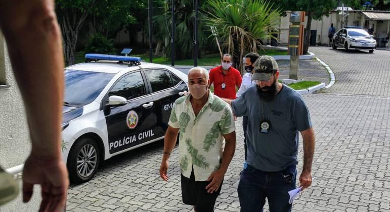 Cantor Belo é preso no Rio