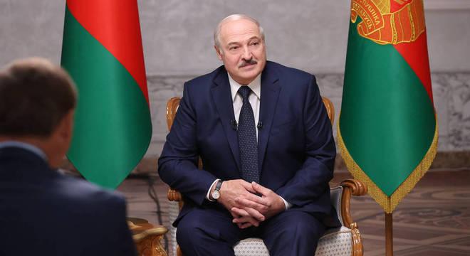Presidente Alexander Lukashenko foi sancionado pela União Europeia
