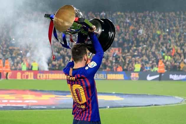Bem à frente vem o Barcelona, com 26 títulos do Espanhol conquistados. Vale lembrar que o argentino que aparece na foto ajudou a alcançar dez dessas taças.