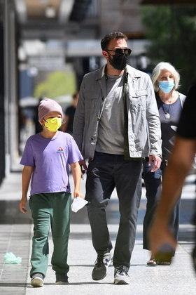Ben Affleck foi casado com a atriz Jennifer Garner, com quem tem três filho:Violet Anne, de 15 anos, Seraphina Rose, de 12, e Samuel, de 9