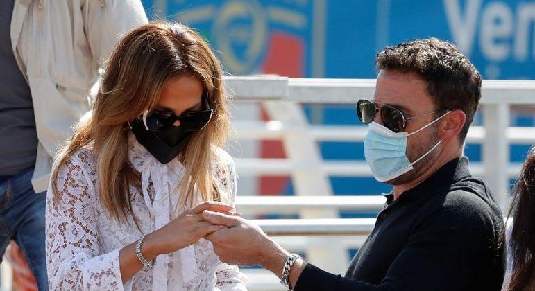 Ben Affleck e JLo chegam a Veneza para apresentar o novo filme do ator