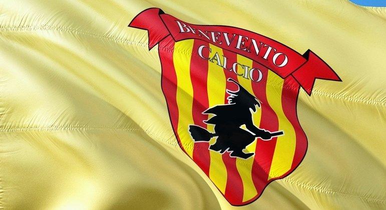 """Benevento, a bandeira do """"Feiticeiro"""" de volta à segunda divisão"""