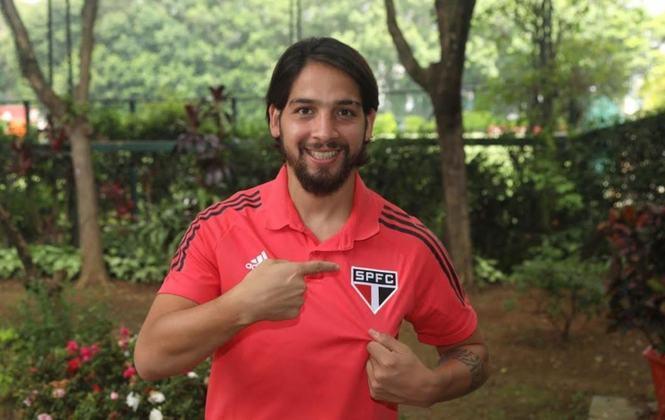 BENÍTEZ - Para o meio-campo, um dos reforços foi Benítez, que chegou por empréstimo do Vasco até o final desta temporada.