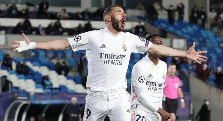 Benzema, o autor do primeiro gol, Real Madrid 3 X 1 Atalanta