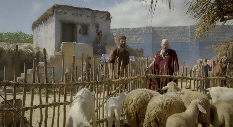 Cidades do início da civilização, como Ur, possuíam várias obras que ajudavam na organização da região