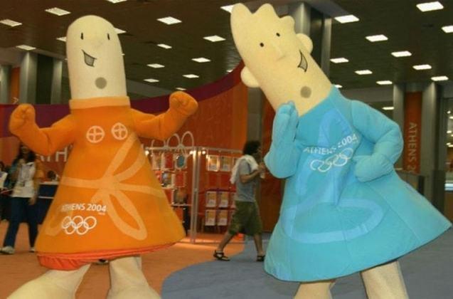 Berço dos Jogos Olímpicos da Antiguidade, a Grécia recebeu duas vezes a competição na era moderna: a primeira, em 1896, e a segunda em 2004. Ambas aconteceram em Atenas