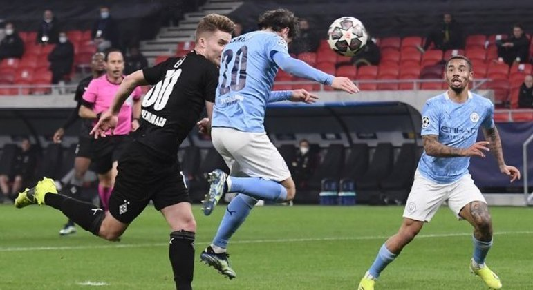 O momento da testada de Bernardo Silva, Borussia 0 X 1 City
