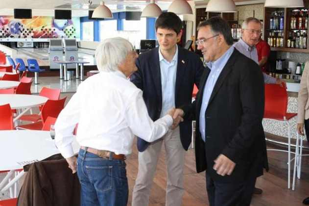 Bernie Ecclestone, então chefão da F1, chegou a se encontrar com o governador Raimundo Colombo para discutir as obras em Penha