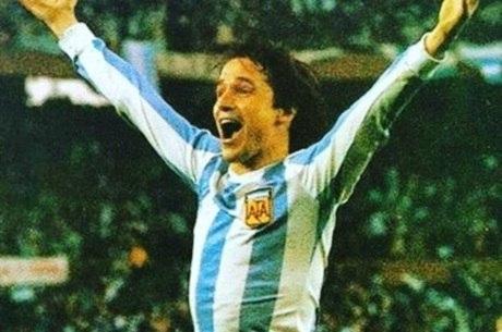 Bertoni, craque da seleção argentina de 1978, disse que abusos sexuais são comuns no futebol do país