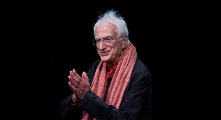 Tavernier dirigiu filmes de época e contemporâneos, com predileção por temas sociais