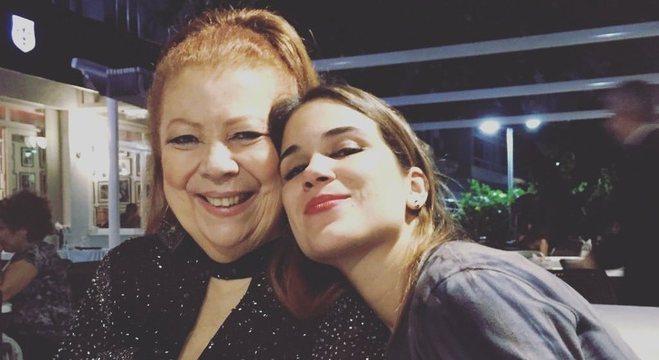 Beth Carvalho e a filha, Luana Carvalho, em registro publicado nas redes sociais