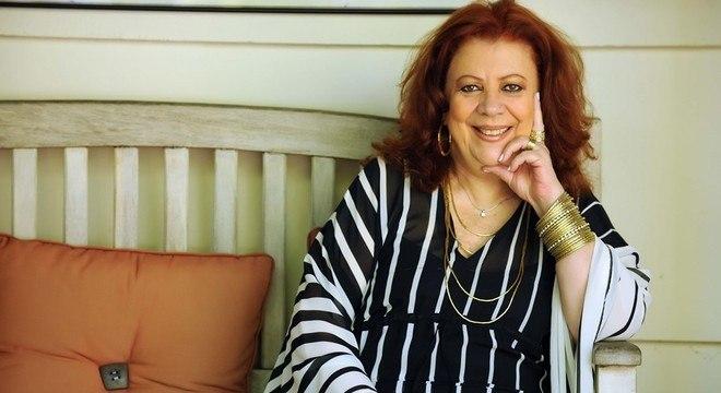 Cantora enfrenta problemas na coluna há anos