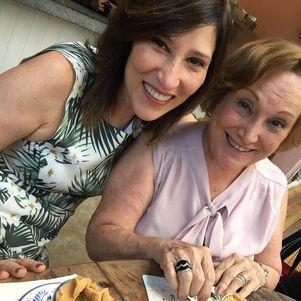 Beth Goulart homenageou a mãe