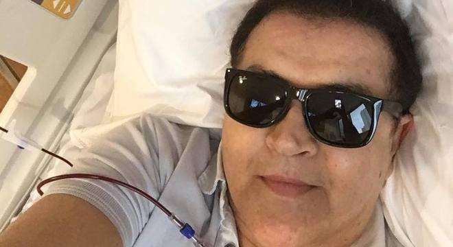 Beto Barbosa comemora recuperação em post nas redes sociais