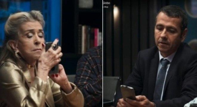 Betty e Palmeira com o celular de ponta-cabeça em cena de novela da Globo