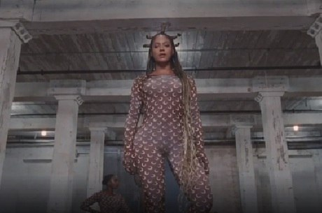 Cena do clipe 'Black is King', de Beyoncé