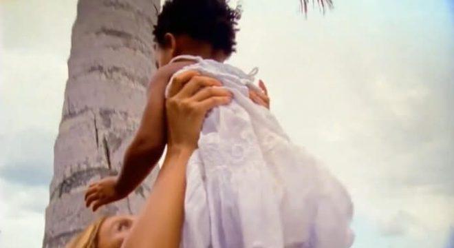 Beyoncé e Blue Ivy no clipe de Brown Skin Girl