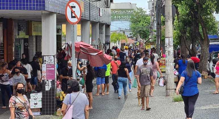 Minas Gerais já registrou mais de 500 mil casos de covid desde o início do ano