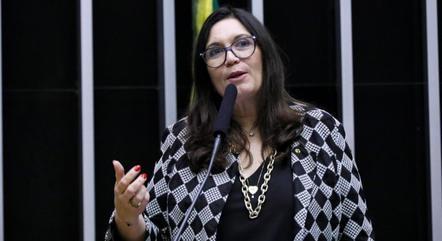 Bia Kicis (PSL-DF), autora do projeto
