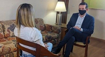 "Bianca Dominguez em entrevista a Roberto Cabrini no ""Domingo Espetacular"""