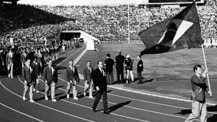 Bicampeão mundial de basquete com a Seleção Brasileira (1959 e 1963), Wlamir Marques foi o porta-bandeira nos Jogos Olímpicos de 1964, em Tóquio, no Japão, que será sede em 2020.