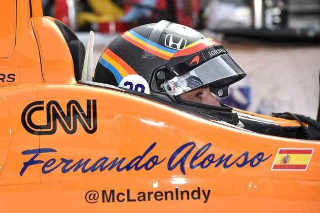 Bicampeão mundial de Fórmula 1, Fernando Alonso chocou o mundo em 2017 ao anunciar que correria a Indy 500. Depois, voltou à F1 até 2018, disputou as 500 Milhas mais duas vezes e agora está novamente no grid da F1, com a Alpine