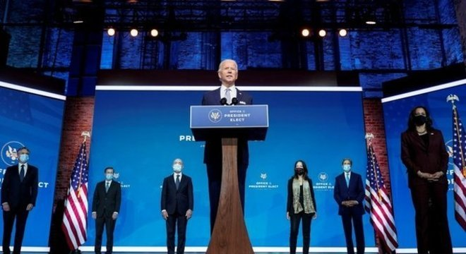 Presidente eleito nos Estados Unidos começou a escolher os nomes que irão compor sua gestão