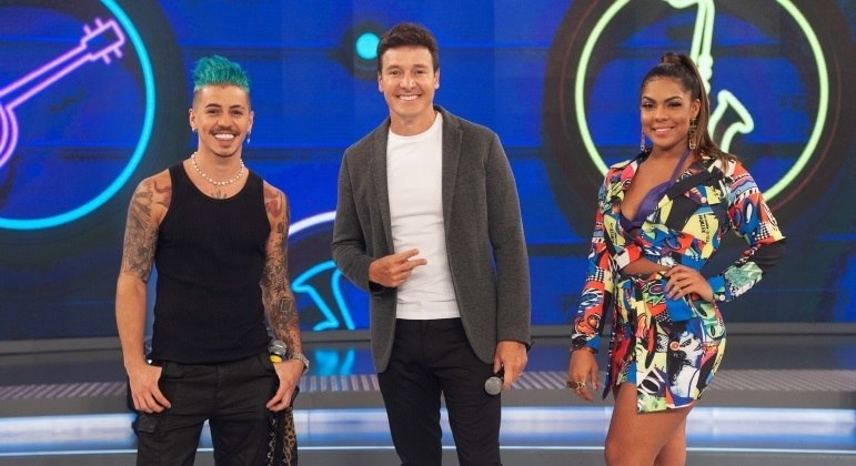 Biel e Tays contam detalhes de parceria musical e lançam música no palco do Hora do Faro