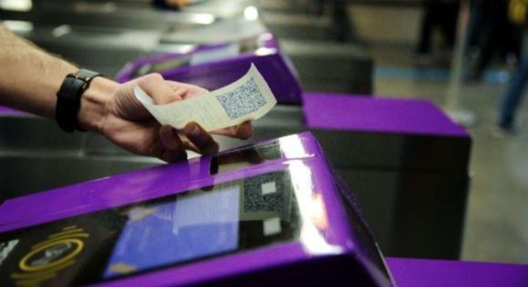 Novo bilhete digital utiliza o QR Code na catraca para liberação da entrada nas estações