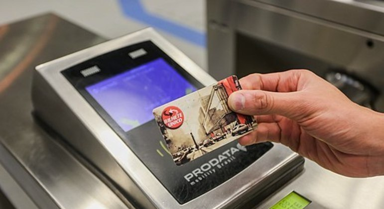 Passageiros têm até hoje (16) para vincular bilhete único ao CPF