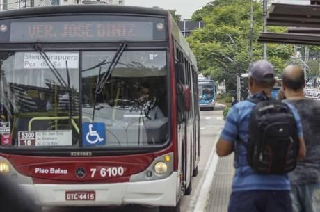 Tarifa de transporte público custa R$ 4,30 em SP