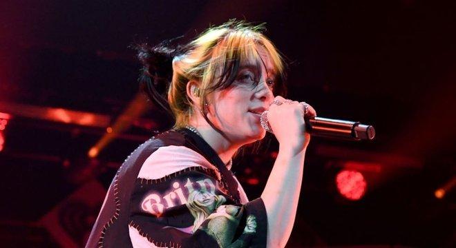Billie Eilish foi a segunda artista mais tocada no Spotify em 2019