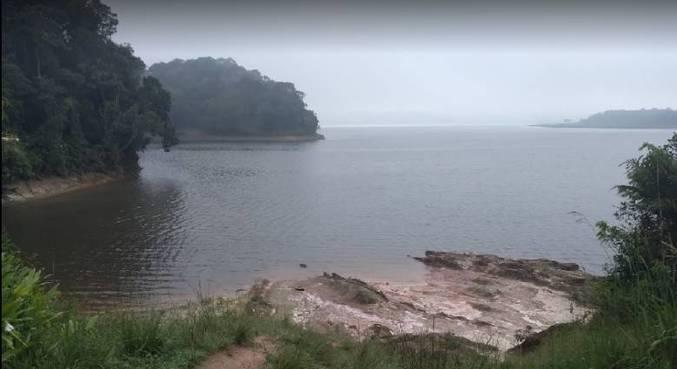 Lotes ilegais são oferecidos na região de Parelheiros, zona sul de SP