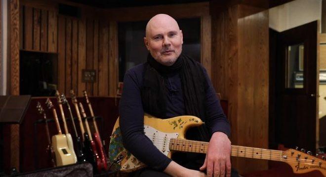 Billy Corgan inicia turnê solo com covers e sucessos do Smashing Pumpkins; vídeos