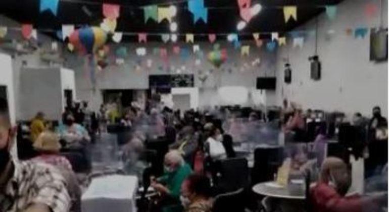 Bingo registra aglomeração em meio à pandemia na zona sul de SP