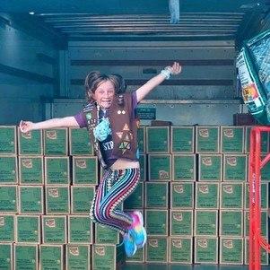 Ela arrecadou mais 5 mil caixas para doação