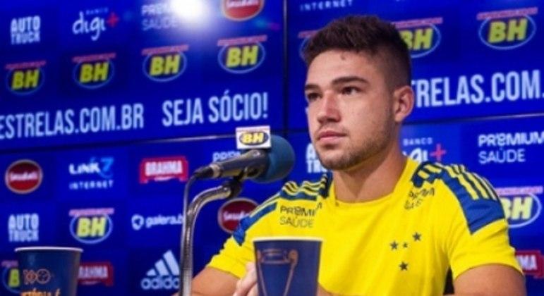 Bissoli, de 23 anos, será mais uma opção ofensiva para a Raposa na Série B