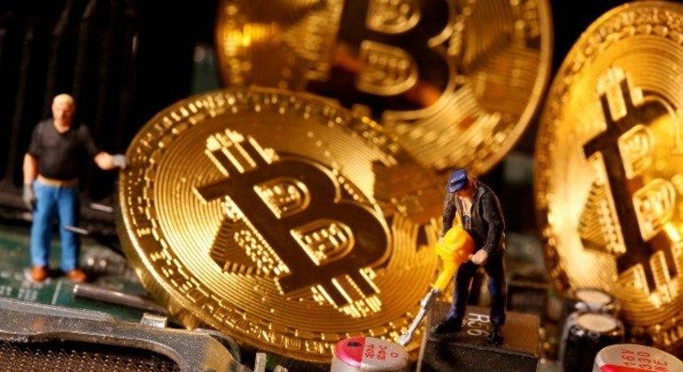 Em 2020, bitcoin acumulou ganhos de 300%