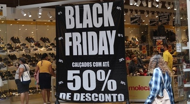 Black Friday promete promoções nesta sexta-feira. Procon-SP registrará queixas