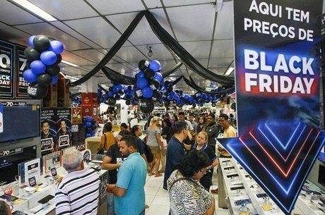 Brasileiros devem comprar média de 3,3 produtos