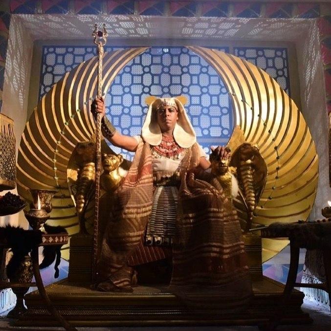"""""""Veja que mesmo não sabendo que estava fazendo mal a Abrão e Sarai, Faraó e sua família foram amaldiçoados por Deus com grandes pragas"""""""