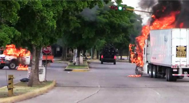 Centenas de integrantes do Cartel de Sinaloa bloquearam ruas de Culiacán