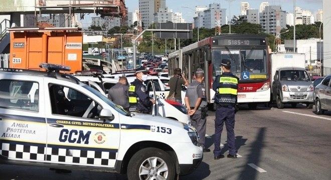 Prefeitura de SP intensifica bloqueios iniciados na segunda-feira (4)