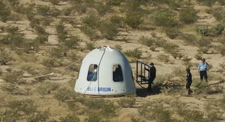 Cápsula da Blue Origin pousou em segurança no deserto do Texas, nos EUA