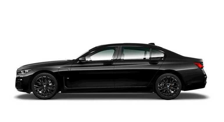 De serie os três modelos vem com sistema de som assinado pela Harman Kardon, serviço BMW ConnectedDrive, entre outros