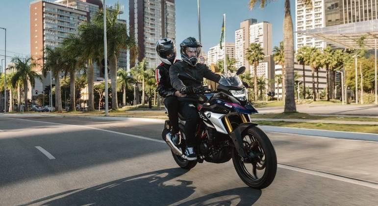 Moto também conta com ajuste de pré-carga do amortecedor traseiro