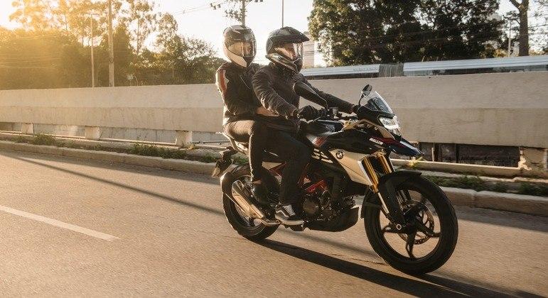 Moto também conta com painel de instrumentos digital
